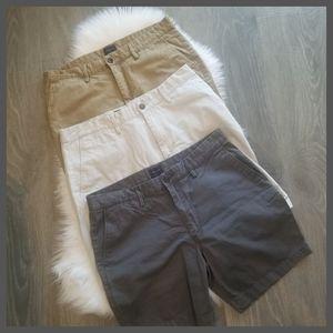 ❗NEW LIST❗EUC 3 Gap Khaki Shorts